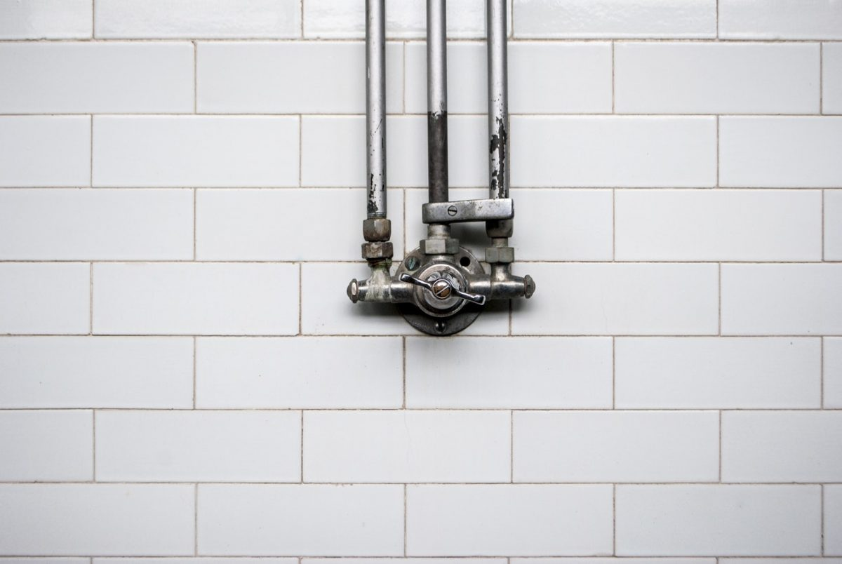 Know What To Do in a Plumbing Emergency